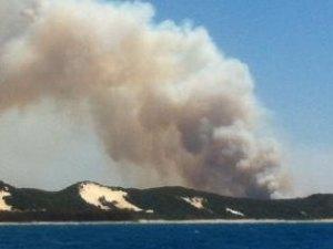 569908-moreton-island-fire